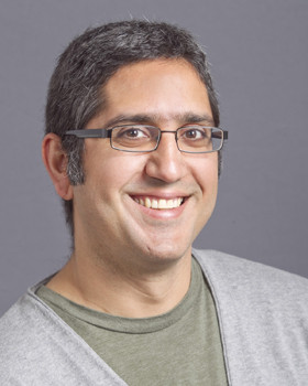 Professor Arash Komeili