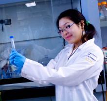 undergrad in the lab